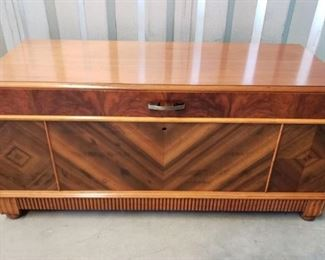 Continental Desk Company Cedar Chest https://ctbids.com/#!/description/share/371948