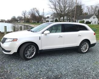 2015 Lincoln MKT ecoboost with approx 66,000 miles.