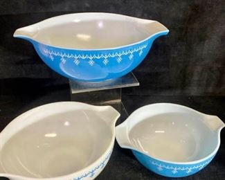 035m Pyrex Blue Garland Mixing Bowls