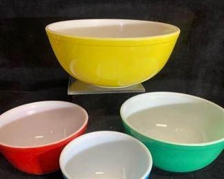 034m Pyrex Multi Color Mixing Bowl Set