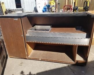 Lot 1    6 ft portable bar  $800.00  Photo #2