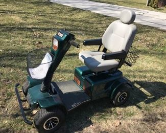 NEW Pride Wrangler PMV 4 WHEEL CHAIR SCOOTER $1650 - LESS THAN 1 HOUR ON THIS! PERFECT!!! HEAVY DUTY - GOES 35 MPH- HOLDS 350 LBS.