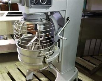 Hobart Hl300 30 qt mixer with stainless bowl, paddle, whisk