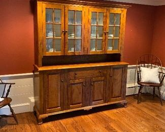 Exquisite Leonard's of Seekonk Tiger Maple Sideboard, Like New conditon, Must See.   $3950 OBO