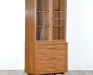 Drexel Mid Century Modern China Hutch Cabinet