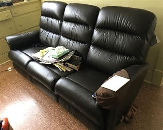Lazyboy new with tags electric recliner sofa  $1200