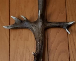 Antler shape of a cross