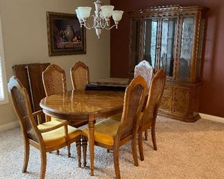 BERNHARDT 2PC CHINA HUTCH, 6 CHAIRS, TABLE, 2 LEAVES, AND PADS $600 SET OR  HUTCH IS $350 AND TABLE SET IS $400
