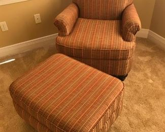2 pc FLEXSTEEL CHAIR AND OTTOMAN - VERY COMFY- PERFECT CONDITION! $200.00
