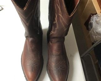 4 Comfort Oil and Chemical Resistant Boots  $150.00  Size 9 Men's  #IWW3