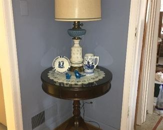 Antique side table w/ 3 legs, drawer and glass top, vintage lamp, Delft pottery  & Blue birds