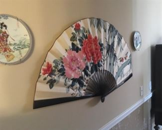 Flower  hand fan 20, two Japan or China plate 10 each.
