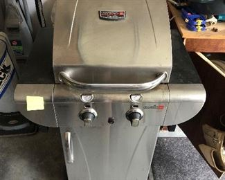 Char-Broil TruInfrared Commercial grill $125
