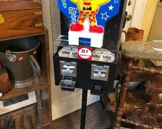 $20 Candy vending machine with key