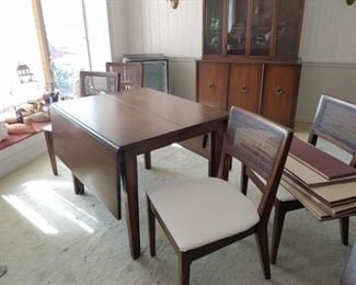 This is a beautiful Drexel Dining Room set. There is the Table and Chairs, Buffet, and 2 Piece China Cabinet.