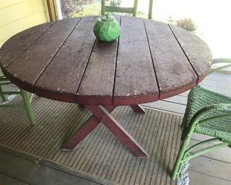 Round Picnic Table $ 84.00