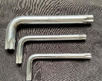 Lot of 3 metric allen wrench - $3