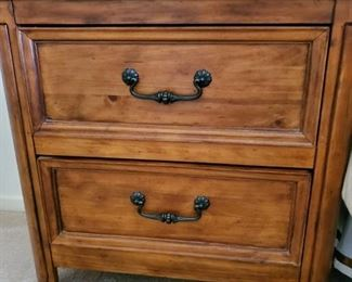 """Thomasville King Bedroom Set.  Includes King Bed, Dresser, Night Stand  $1,350/ (30.5"""" W x 16""""D x 30""""H)   Night Stand separately -- $250"""