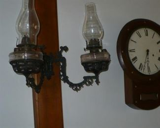 DOUBLE BRACKET LAMP