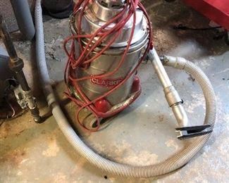CLARK 600A INDUSTRIAL VACUUM WITH HOSE AND ATTACHMENT