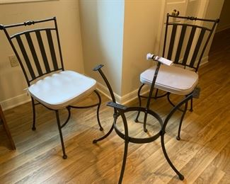 REDUCED!!!  NOW $20.00, was $40.00......Metal Iron Bistro Set, Table needs new glass or top of your choice, very nice
