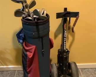 REDUCED!!!  NOW $30.00, was $60.00......Women's Golf Clubs with Bag and Bag Caddy