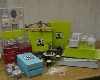 American girl minis, some duplicate kits. Lot $80.00