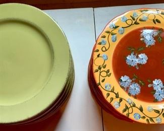 161. 300 Green Dinner Plates,  $2 ea.                                                 163. 259 Floral Dinner Plates,  $6 ea.