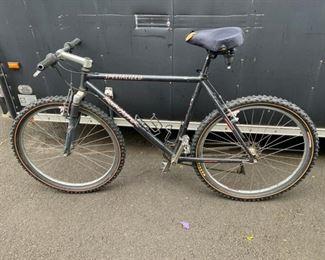 Specialized men's 'rock-hopper' hybrid mountain bike $150