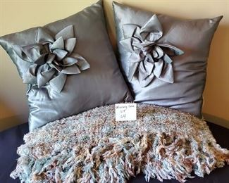 $15 - 2 pillows and throw blanket (the colors are not showing up well -  the pillows are a dark mint/turquoise color and the throw is turquoise, brown and cream)
