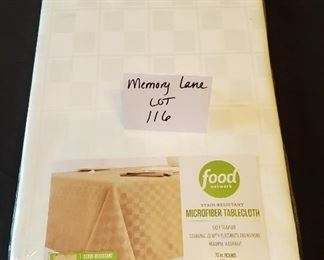 """$8 - Food Network Microfiber 70"""" round NEW white tablecloth (price tag $34.99)"""