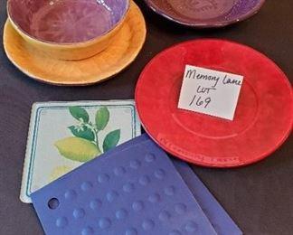 $10 - Miscellaneous kitchen items