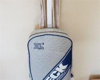 $50 - Oreck XL2 Vacuum cleaner