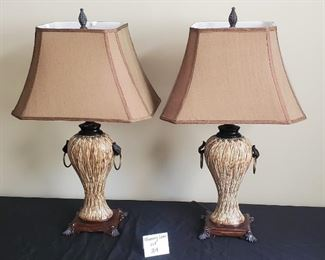 """$40 - Pair of 28"""" tall lamps"""