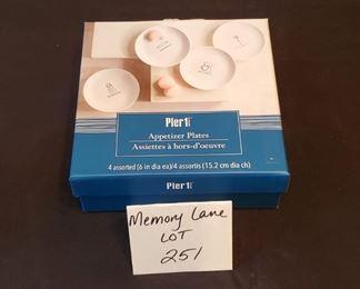 """$10 - Pier 1 appetizer plates (4) 6"""" plates"""