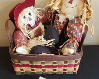 """$6 - 2 scarecrows and an 12""""W basket"""