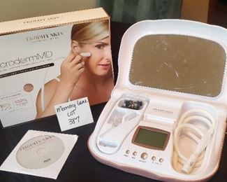 $95 - Trophy Skin Microderm MD Professional Grade Home Microdermabrasion system