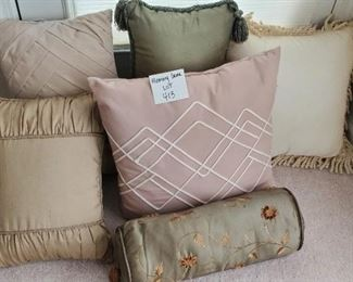 """$15 - Pillow Lot - 6 pillows. The largest is 16"""""""