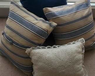 """$12 - 4 pillow lot. Blue one is 16"""""""