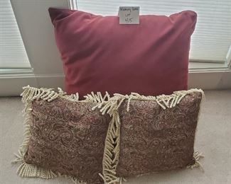 """$12 - 3 pillow. The largest one is 22"""""""