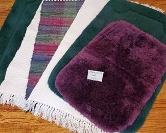 $25 - 6 Small rugs