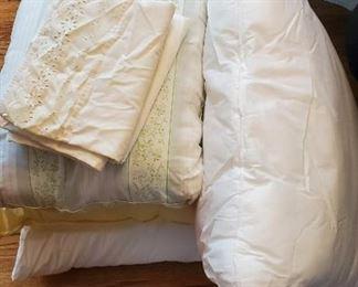 $5 - 4 pillows & 3 pillowcases