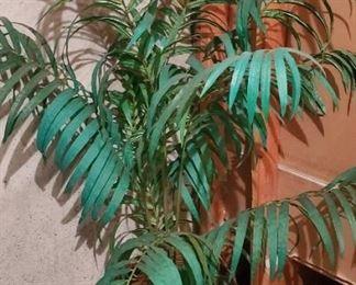 $5 - Artificial tree