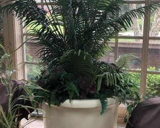 LARGE Cast resin/plastic $195 with plant