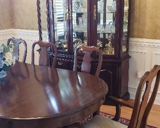 Thomasville formal dining set - table with/6 chairs       SALE PRICE 800 and China cabinet SALE PRICE 400