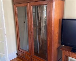 display cabinet, lighted, antique.  Any reasonable offer accepted!
