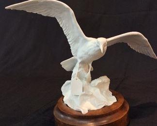"Kaiser Bisque Porcelain Gull, 9 1/2"" H."
