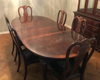 Dining Room Table with 6 Chairs $300 OBO