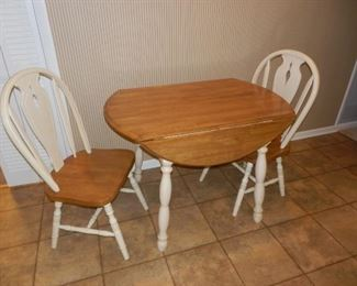 DROP LEAF KITCHEN TABLE W/2 CHAIRS