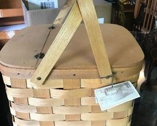"""$40 - Peterboro Basket Co Picnic Basket 13.5"""", 11.75"""", 9.5"""" H, with 2 removable Pie shelves inside."""